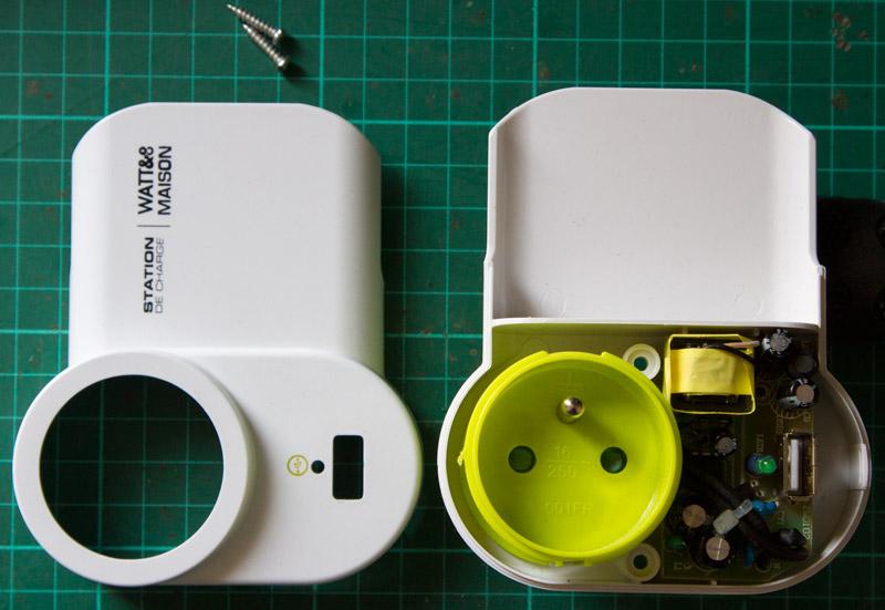 Obsolescence programmée, réparation d'une station de charge USB, Watt & Co CH220-5-DOCK